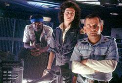 Yaphet Kotto, Sigourney Weaver e Ian Holm in Alien