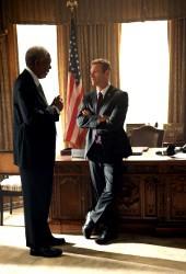 Morgan Freeman e Aaron Eckhart in Attacco al potere