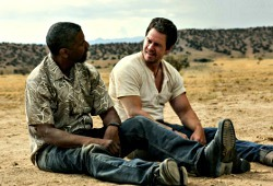 Denzel Washington e Mark Wahlberg in Cani sciolti