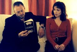 Liam Cunnigham e Stefania Rocca in Il cartaio