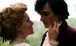 Michelle Pfeiffer e Rupert Friend in Chéri