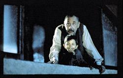 Philippe Noiret e Salvatore Cascio in Nuovo Cinema Paradiso