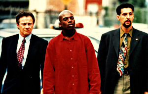 Harvey Keitel, Mekhi Phifer e John Turturro in Clockers