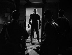 James Arness in una scena