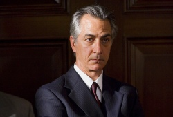 David Strathairn in Il caso Thomas Crawford