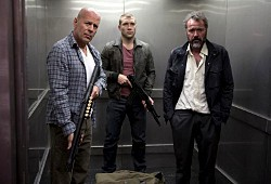 Bruce Willis, Jai Courtney e Sebastian Koch in Die Hard - Un buon giorno per morire
