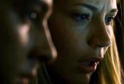 Sarah Roemer con Shia LaBeouf in una scena di Disturbia