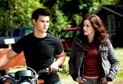 Taylor Lautner e Kristen Stewart in The Twilight Saga: Eclipse