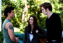 Taylor Lautner, Kristen Stewart e Robert Pattison in The Twilight Saga: Eclipse
