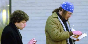 Jesse Eisenberg e Jason Segel in una scena di The End of the Tour - Un viaggio con David Foster Wallace