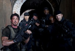 Sylvester Stallone, Jet Li, Randy Couture, Terry Crews e Jason Statham in I mercenari
