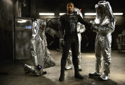 Michael B. Jordan in una scena di Fantastic 4 - I Fantastici 4