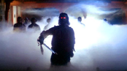Rob Bottin in una scena di Fog
