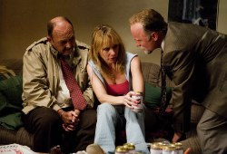 John Ashton, Amy Ryan e Ed Harris in Gone Baby Gone