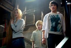 Haley Bennett, Nathan Gamble e Chris Massoglia in The Hole
