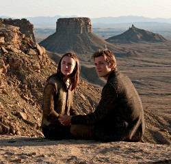 Saoirse Ronan e Jake Abel in The Host