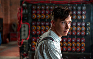 Benedict Cumberbatch in una scena di The Imitation Game