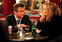 Sean Penn e Nicole Kidman in The Interpreter