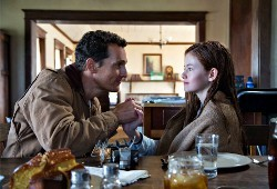 Matthew McConaughey e Mackenzie Foy in Interstellar