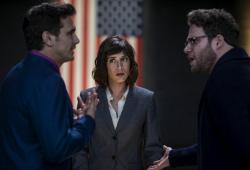 James Franco, Lizzy Caplan e Seth Rogan in The Interview