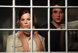 Marcia Gay Harden e Justin Chatwin in Invisible