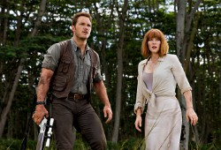 Chris Pratt e Bryce Dallas Howard in Jurassic World