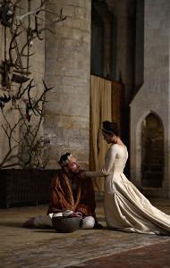 Michael Fassbender e Marion Cotillard in una scena di Macbeth