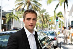 Robert Pattinson in Maps to the Stars