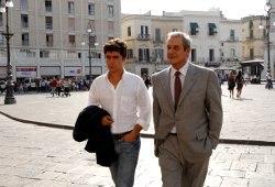 Riccardo Scamarcio e Ennio Fantastichini in Mine vaganti