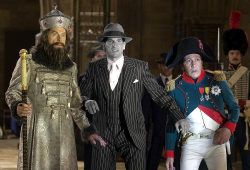 Christopher Guest, Jon Bernthal e Alain Cabat in Una notte al museo 2