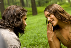 Colin Farrell e Q'Orianka Kilcher in The New World