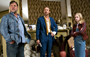 Russell Crowe, Ryan Gosling e Angourie Rice in The Nice Guys
