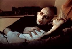 Klaus Kinski e Isabelle Asjani in Nosferatu - Il principe della notte