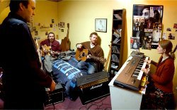 Alastair Foley, Gerry Hendrick, Glen Hansard e Marketa Irglova in Once (Una volta)