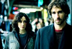 Anita Caprioli e Ignazio Oliva in una scena di Onde