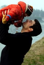 Luca Argentero in una scena di Solo un padre