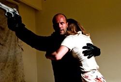 Jason Statham e Jennifer Lopez in Parker