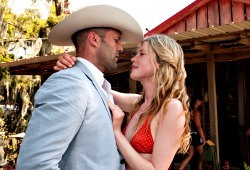 Jason Statham e Emma Booth in Parker