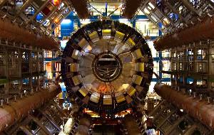 Un'immagine del rivelatore CMS in una scena di La particella di Dio