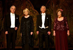 Billy Connolly, Maggie Smith, Tom Courtenay e Pauline Collins in Quartet