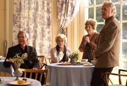Tom Courtenay, Maggie Smith, Pauline Collins e Billy Connolly in Quartet