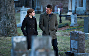 Emma Watson e Ethan Hawke in Regression