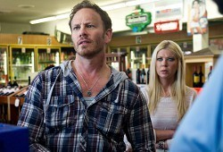 Ian Ziering e Tara Reid in Sharknado