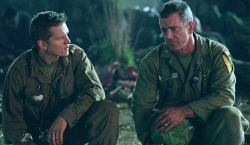 Barry Pepper e Mel Gibson in We Were Soldiers