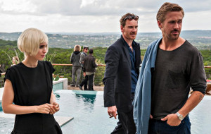 Natalie Portman, Michael Fassbender e Ryan Gosling in Song to Song
