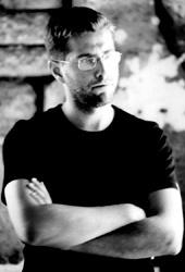 Il regista Davide Sordella sul set di Fratelli di sangue