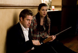 Scott Speedman e Liv Tyler in The Strangers