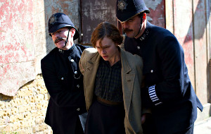 Carey Mulligan in una scena di Suffragette