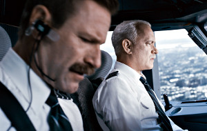 Aaron Eckhart e Tom Hanks in Sully
