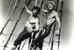 """Nick Cravat e Burt Lancaster in """"Il corsaro dell'Isola Verde"""""""